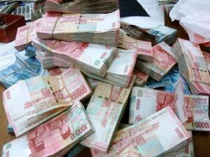 menggandakan uang-cara menggandakan uang-cara penggandaan uang-penggandaan uang-uang gaib-uang ghoib-uang ghaib-wang gaib-pesugihan-www.riyadhohayatkursi.com